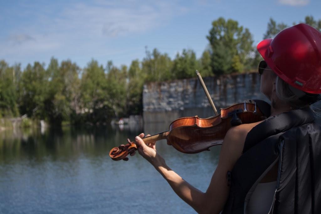 JuliaBarstow_Violin